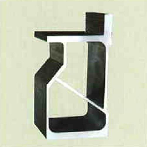 Profil MASTER výjímečným pevný, vysoce kvalitní slitiny hliníku, příčně vyztužené, odolný proti zkrutu